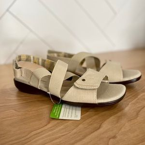 Grasshoppers (8) Bayside Strappy Sandals